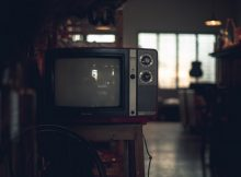 should dementia patients watch tv